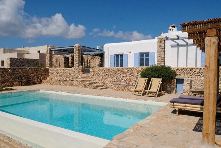 Paros r sidence en pierre de luxe sur la plage aliki for Acheter une maison dans les cyclades
